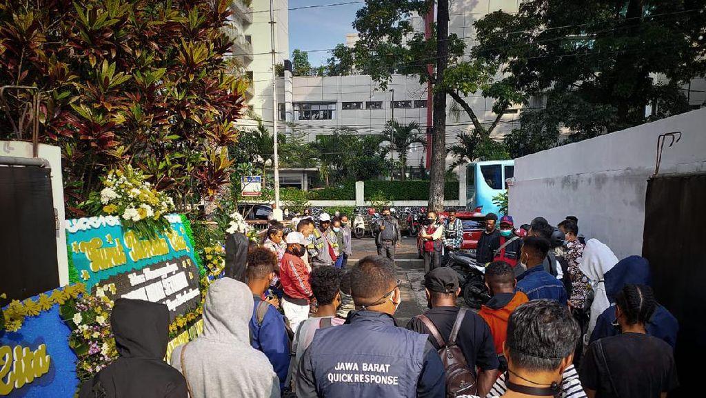 Meninggal Karena Sakit, Jenazah Mahasiswi IKOPIN Dipulangkan ke Papua