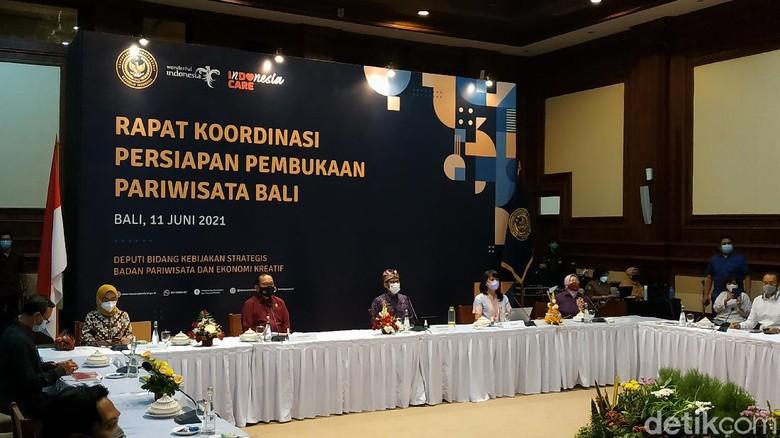 Wajib Dites Swab dan Karantina Lima Hari, Begini Alur Kedatangan Wisman Saat Masuk Bali