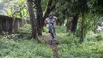 Aksi Bersepeda Gunung di Ibu Kota