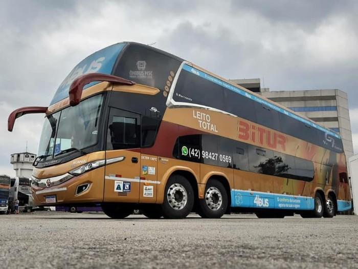 Contoh bus quad axle yang beroperasi di Brasil