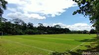 Lapangan Bola Desa Ini Kayak di Eropa, Markas MU alias Munding United!