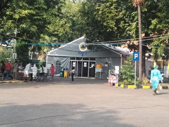 Pasien di Rumah Sakit Lapangan Indrapura (RSLI)