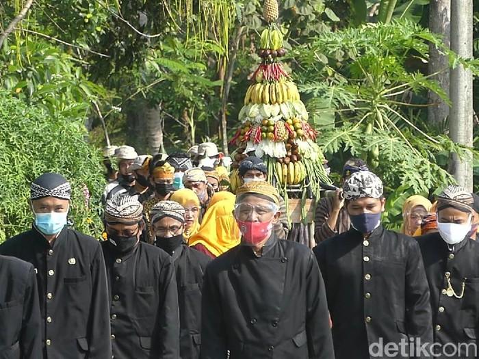 Suasana Sedekah Sawah di Desa Banjarmangu, Banjarnegara, Minggu (13/6/2021).