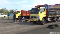 Viral Video Sopir Truk Dianiaya Rombongan Pengantar Jenazah di Jakut