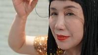 8 Foto Wanita dengan Bulu Mata Terpanjang di Dunia, Panjangnya Hingga Dagu