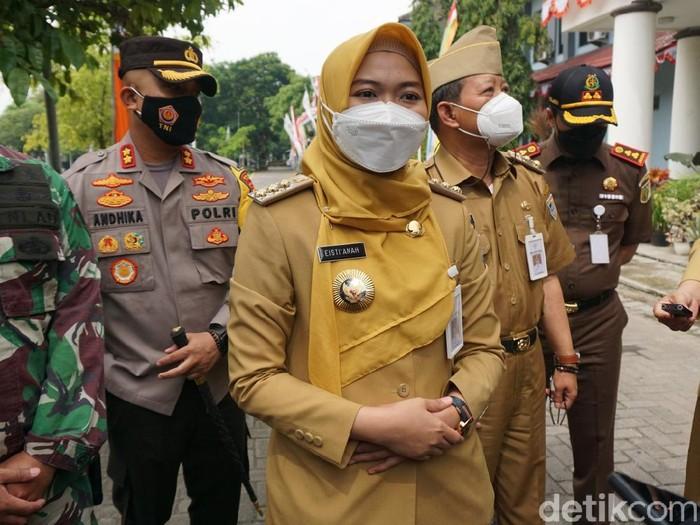 Bupati Demak, dr Eistianah di Halaman Bina Praja Pemkab Demak, Senin (14/6/2021).