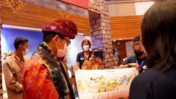 """Direktur Utama BPOLBF Shana Fatina turut dalam acara Bali and Beyond Travel Fair (BBTF) ke-7 di Bali International Convention Center (BICC) Nusa Dua, Bali, Senin (14/6/2021). Pameran bertema """"Exploring Sustainable & Wellness Tourism,"""" dibuka secara resmi oleh Menteri Pariwisata dan Ekonomi Kreatif (Menparekraf) Sandiaga Salahuddin Uno. Sebanyak 125 buyer produk pariwisata dalam negeri, lima seller BPOLBF, dan 60 buyer asing dari 20 negara berpartisipasi pada kegiatan tahunan itu."""