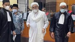 Habib Rizieq Divonis 4 Tahun Penjara di Kasus Swab RS Ummi