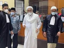 Pengacara HRS: Harusnya Jaksa Juga Seret Pejabat yang Buat Kegaduhan