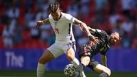 Frank Lampard: Kalvin Phillips Seimbangkan Lini Tengah Inggris