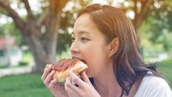 6 Kebiasaan Makan Ini Harus Dihindari Agar Berat Badan Tidak Naik!