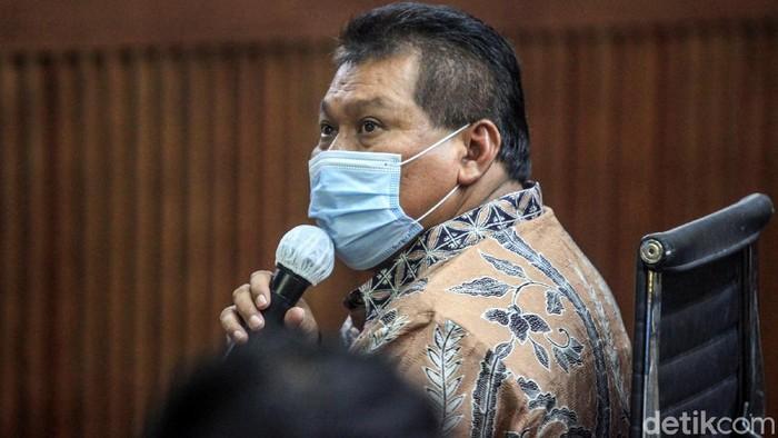 Juliari Peter Batubara kembali menjalani sidang kasus korupsi bansos di Pengadilan Tipikor, Jakarta. Sidang menghadirkan saksi Ketua DPC PDIP Kendal, Akhmad Suyuti.