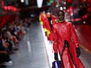 Ferrari Banting Setir ke Dunia Fashion, Pabrik Supercar Jadi Catwalk