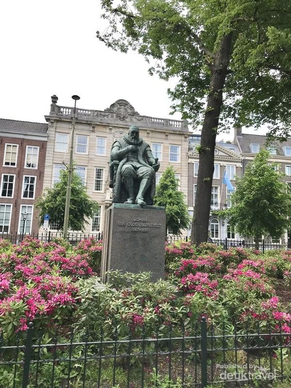 Patung Oldenbarnevelt salah satu tokoh terkemuka masa Republik Belanda