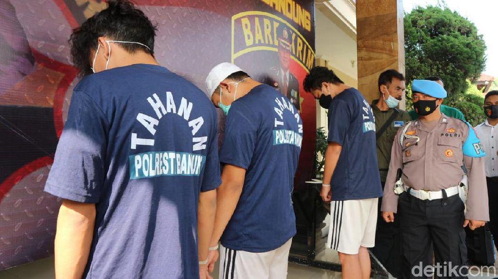 Buka Jasa Pembuatan KTP-Ijazah Palsu, 3 Pria Bandung Ditangkap Polisi