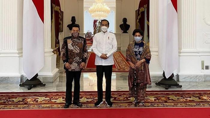 Pertemuan Hendropriyono dan Istri dengan Presiden Jokowi di Istana