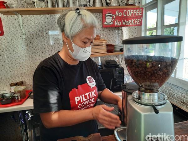 Piltik memang memiliki menu spesial yakni kopi siborongborong yang diseduh menjadi kopi panas dan es kopi.Foto: Putu Intan/detikcom