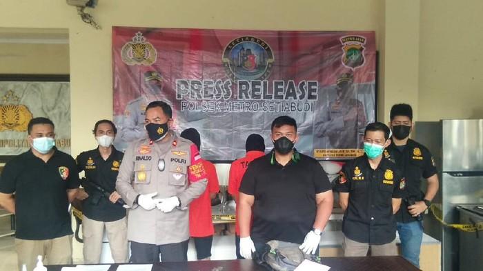 Polisi tangkap 2 pencuri perabotan senilai Rp 250 juta di apartemen di Jaksel