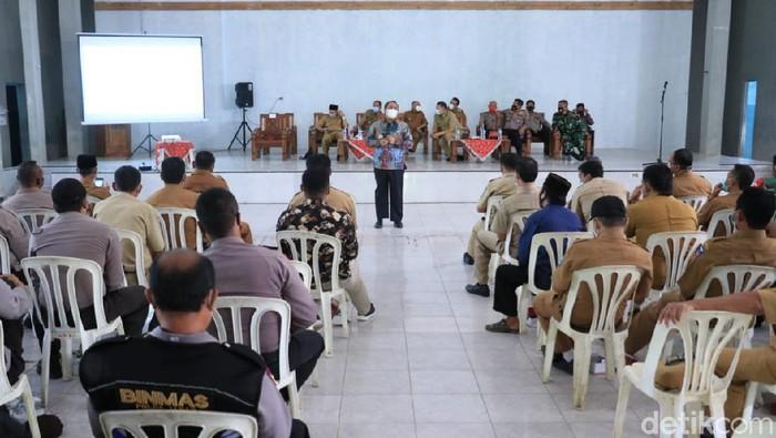 Rapat koordinasi penanganan COVID-19 di Pangandaran