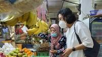 Bertemu Pedagang, Sri Mulyani Pastikan Sembako di Pasar Tak Kena PPN