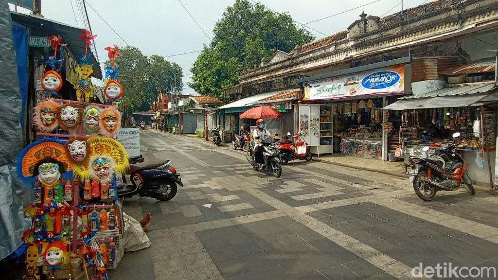 Zona Merah, Warga di Kudus-Bangkalan Hanya Boleh Ibadah di Rumah