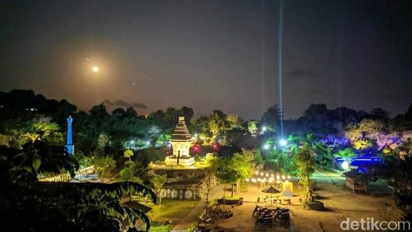 Wisata alam Selo Giri Tirto (Setigi) buka mulai pukul 08.00 WIB hingga pukul 21.00 WIB. Tiket masuknya hanya RP 15 ribu. Untuk menuju lokasi wisata itu, dari Kota Gresik berjarak sekitar 36 kilometer. (Deny Prastyo Utomo/detikTravel)