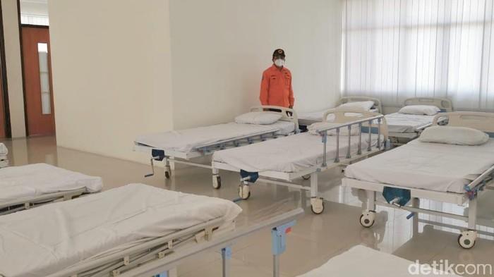 Bed di BPWS yang disiapkan menampung Pasien OTG Bangkalan.