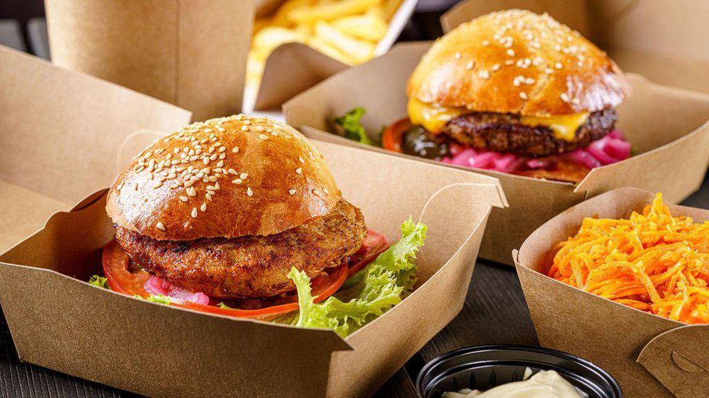 Tolak Beri Burger Gratis ke Polisi Pakistan, Belasan Karyawan Resto Ditahan