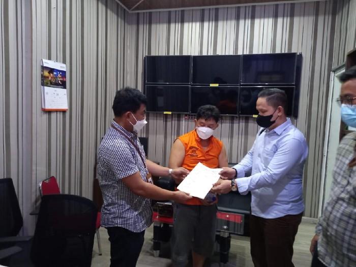 Buronan pemalsu dokumen ditangkap di Medan Sumut