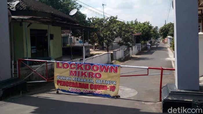Dukuh  Kebakan, Desa Methuk, Kecamatan Mojosongo, Boyolali lockdown lokal usai ditemukan klaster takziah