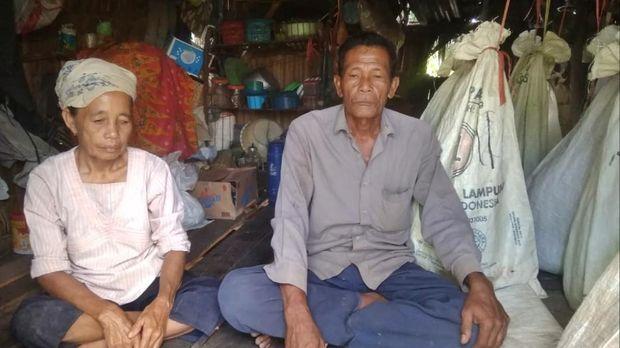 Kandang ayam tempat pasutri lansia tinggal 7 tahun di Sumsel