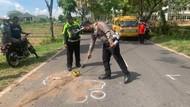 Sepasang Remaja Tabrak Truk di Mojokerto, Salah Satunya Tewas