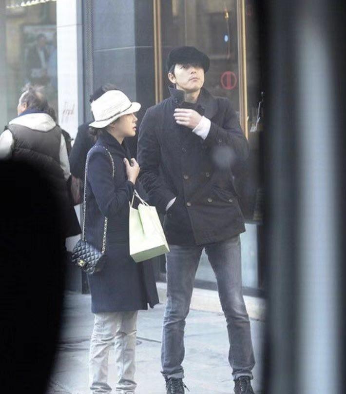 Lee Ji Ah dan Jung Woo Sung