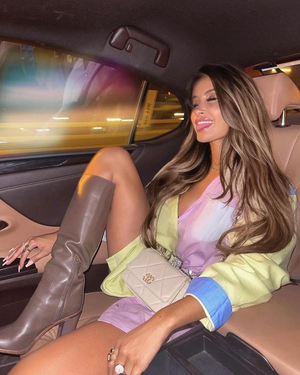 Di Instagramnya yang diikuti ratusann ribu orang, Oceane kerap memamerkan gaya hidup mewah dan jetset, naik kelas bisnis hingga liburan keliling dunia. Siapa sangka itu hanya pencitraan saja. (Oceane El Himer/Instagram)