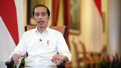 SMRC: Mayoritas Warga Berpendidikan Tinggi Tolak Jokowi 3 Periode