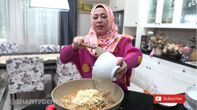 Resep Seblak Super Pedas ala Shanty Denny