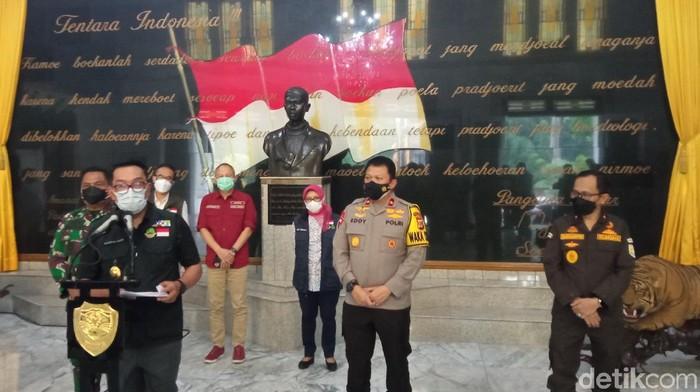 Ridwan Kamil tetapkan wilayah Bandung Raya siaga satu Corona