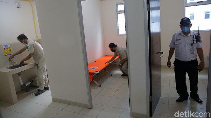 Rusun Nagrak Cilincing disiapkan sebagai antisipasi lonjakan COVID-19 di Jakarta. Ada 2.500 bed yang bisa digunakan pasien isolasi Corona.