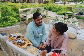 So Sweet! Pria Sembunyikan Cincin Berlian di dalam Makanan untuk Lamar Kekasih