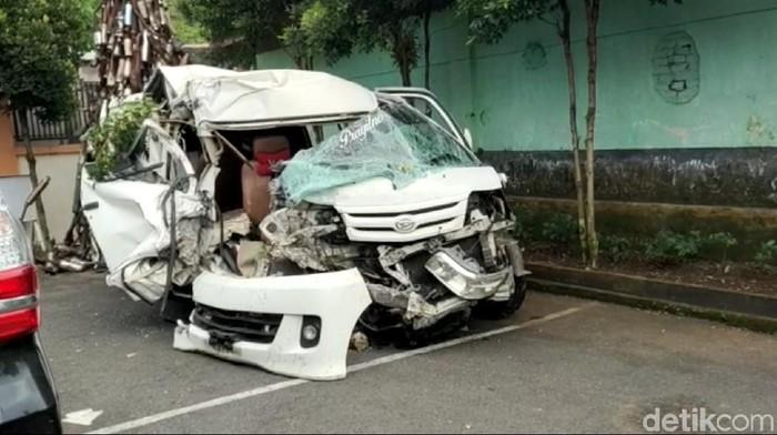 Seorang penumpang mobil travel tewas di Tasikmalaya