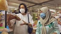 Sri Mulyani Belanja di Pasar Santa, Beli Sayuran hingga Kopi