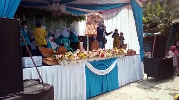 Acara kenaikan kelas siswa di Sukabumi dibubarkan Satgas COVID-19.