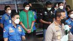 Anji Berbaju Tahanan Usai Diciduk Kasus Narkoba