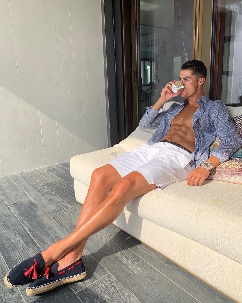 Cristiano Ronaldo Sosok 'Family Man' yang Hobi Makan Bareng Keluarga