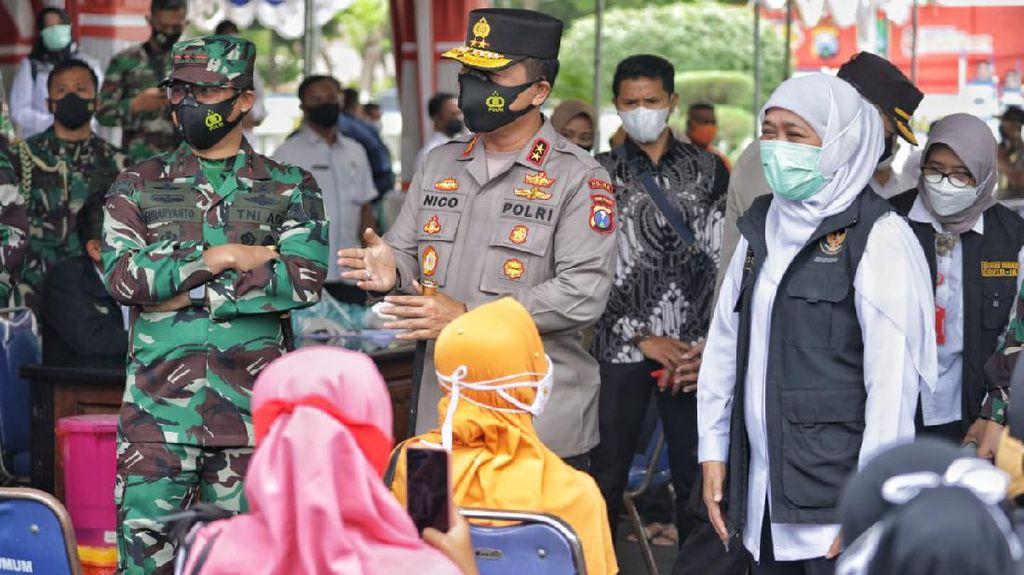 Secercah Harapan Khofifah dari Vaksinasi COVID-19 Massal di Sampang
