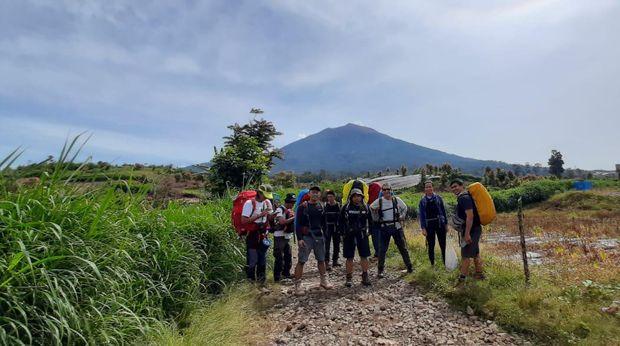 Pendakian Gunung Kerinci di Jambi