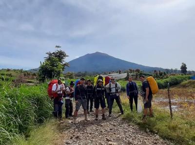 Jangan Cuma Modal Bismillah, Latihan Fisik Sangat Disarankan Sebelum Naik Gunung