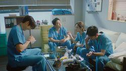 Ada Song Hwa-Ik Jun, 4 Pasangan di Drakor yang Kena Friendzone
