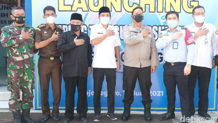 Kampung Tangguh Bersinar (Bersih Narkoba) didirikan di Bojonegoro. Semua pihak diajak memerangi narkoba.