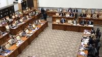 Rapat Komisi III-Kapolri Dipanaskan Ribut-ribut Status Johan Budi